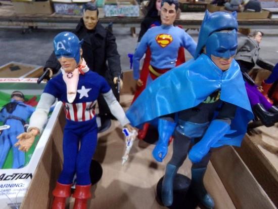 BOX LOT OF CAPTAIN ACTION FIGURES CAPTAIN AMERICA BATMAN SUPERMAN AND MORE