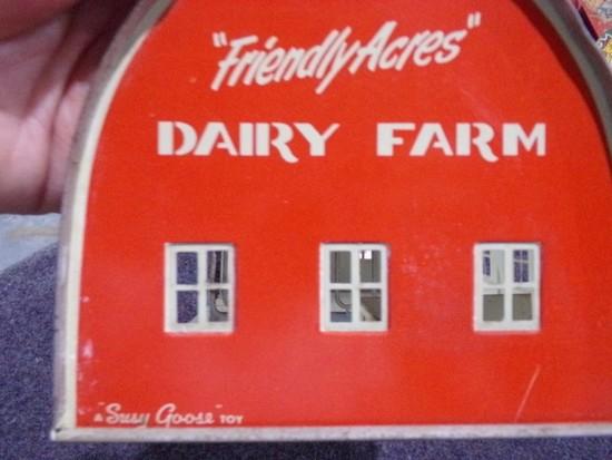 FRIENDLY ACRES DAIRY FARM BARN A SUSY GOOSE TOY