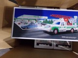 HESS BOX WITH SIX NEW IN BOX RESCUE TRUCK EMERGENCY SIREN HORN BACKUP ALERT