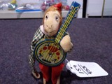 WIND UP MONKEY PLAYING BANJO OCCUPIED JAPAN