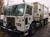 #101 2009 PETERBILT GARBAGE TRUCK 31609 MILES ALLISON AUTOMATIC RIGHT SIDE