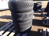 #2411 4 LIKE NEW NITTO NT420S 305 45R22 118 H