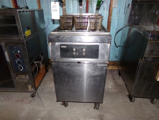 HOBART ELECTRIC DEEP FRYER MOD 1HFD85 SN 481534021 VOLTS 240 HZ 60 PH 3 ON