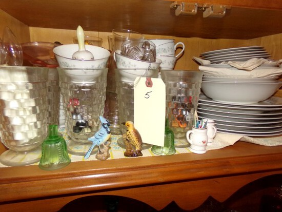 SHELF OF HUTCH INCLUDING AMERICAN FOSTORIA GOBLETS AND SET OF CRESTWOOD CHI