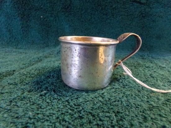 STERLING CHILDS CUP APPROX 1 1/2 INCH TALL LUNT STERLING 551 M .97 TROY OZ