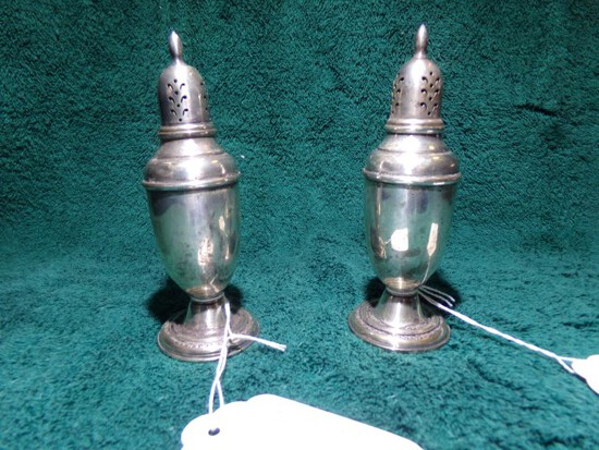 INTERNATIONAL STERLING SALT AND PEPPER WEIGHTED 3.95 T OZ