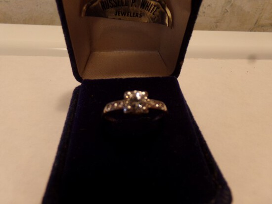 14 KT YELLOW GOLD ENGAGEMENT WITH DIAMOND .8 DWT