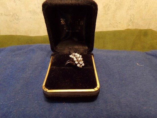 14 KT YELLOW GOLD RING WITH 19 DIAMONDS APPROXIMATELY 1 CARAT 3.0 DWT