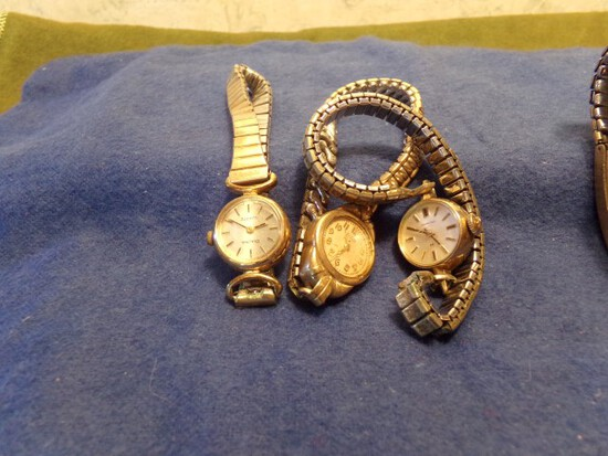 3 LADY AND 2 MEN WRIST WATCHES