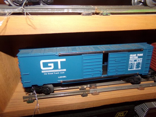 SET OF FOUR LIONEL CARS GT 9764 CONRAIL 9400 GREAT NORTHERN 9401 SUSQUEHANN