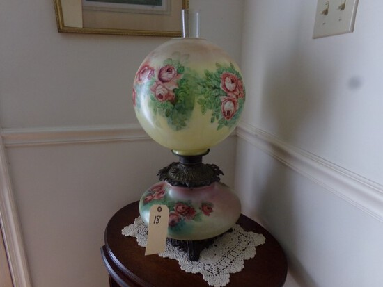 ANTIQUE GONE WITH THE WIND STYLE OIL LAMP HAND PAINTED FLORAL