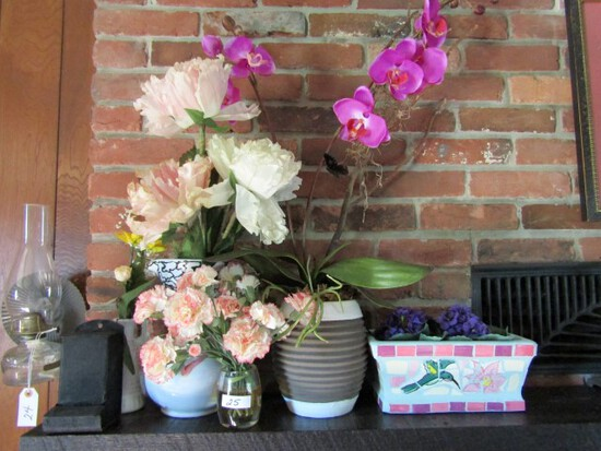 LOT OF PLANT VASES MATCH KEEP AND MORE