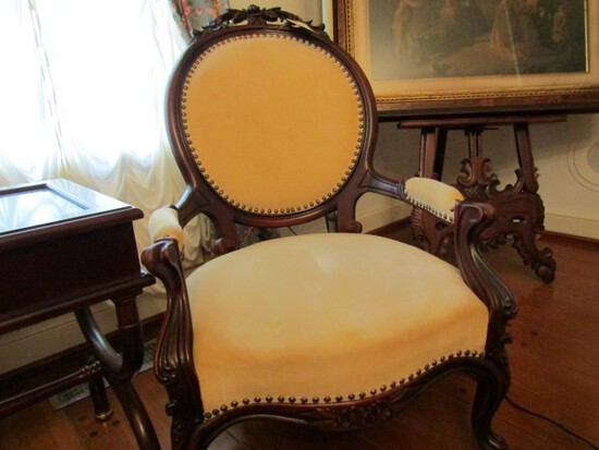FANCY HEAVILY CARVED VICTORIAN ROSEWOOD SIDE CHAIR
