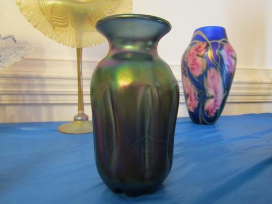 7 INCH IRIDESCENT ART GLASS VASE