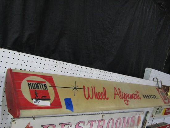 LIGHTED HUNTER WHEEL ALIGNMENT SERVICE SIGN APPROXIMATLEY 75 X 9