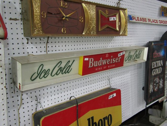 BUDWEISER LIGHTED KING OF BEERS SIGN APPROXIMATELY 4 FT X 5 INCH