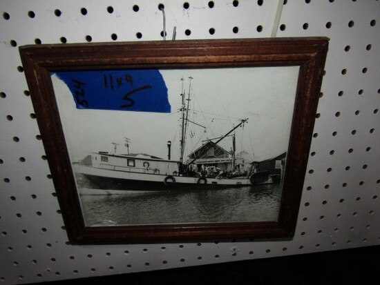 BLACK AND WHITE PHOTO EARLY DRAGGER OCEAN CITY HARBOR? 11 X 9