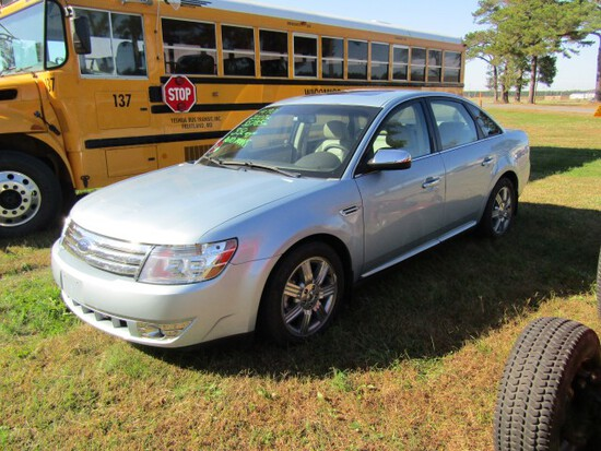 #1901 2007 FORD TAURUS LIMITED AUTO TRANS 3.5 L ENG 55785 MILES AM FM CD HE