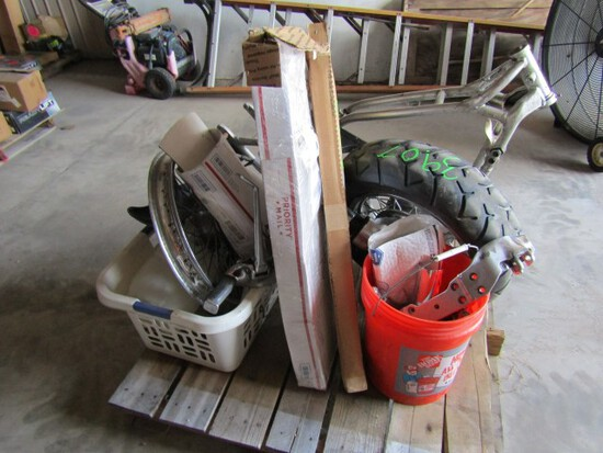 #3907 LOT OF MOTORCYCLE PARTS AND CRATE ENGINE FRONT WHEEL FRONT FENDER REA