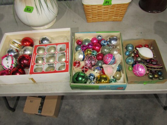 LOT OF VINTAGE CHRISTMAS DECORATIONS INCLUDING DISNEY