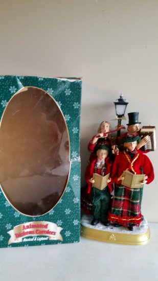 Animated Dickens Carolers