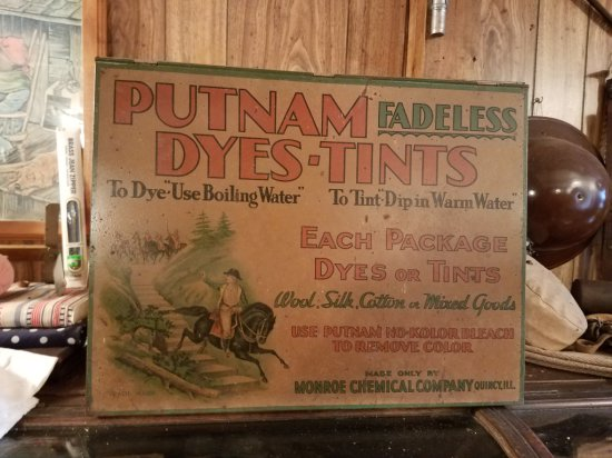 Putnam Metal Dyes-Tint Cabinet 1920's - 1930's Cou