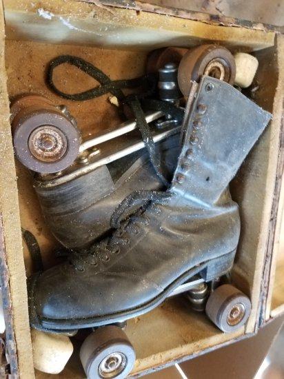 """Antiques Skates in Original Case 16' X 12' X 7"""""""