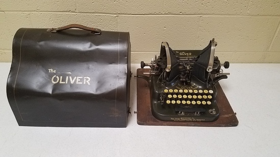 Rare The Oliver #5 Typewriter