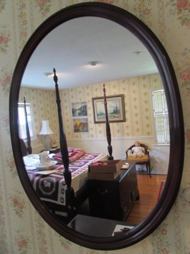 Oval Mirror In Wood Frame 28 1 2 X 35