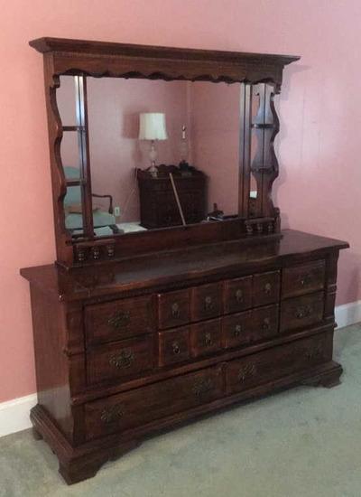 Dresser with Mirror, Dentil Molding Trim on Mirror