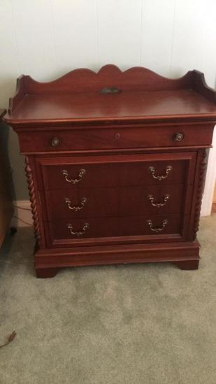 Lexington Furniture Company 4-Drawer Nightstand