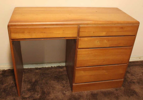 "5-Drawer Desk 43"" x 18"" x 31"""