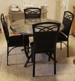 Round Kitchen Table w/4 Chairs 42
