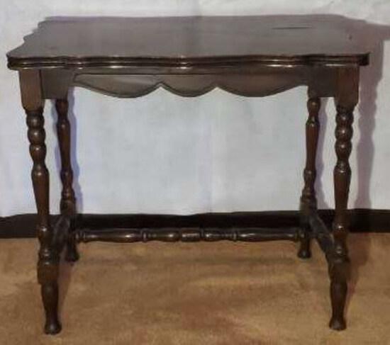 """Vintage Table Turned Legs--21.5"""" x 14"""" x 19"""""""