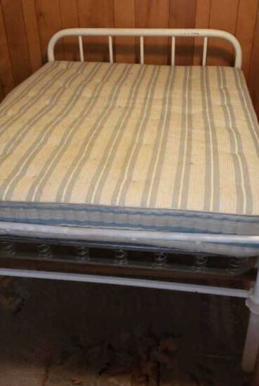 Antique Iron Painted Full-Size Bed