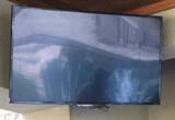 "38"" Flat Screen Insigna Roku Television"