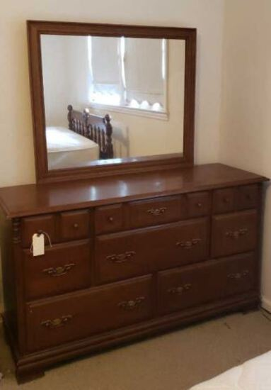8-Drawer Dresser w/Mirror