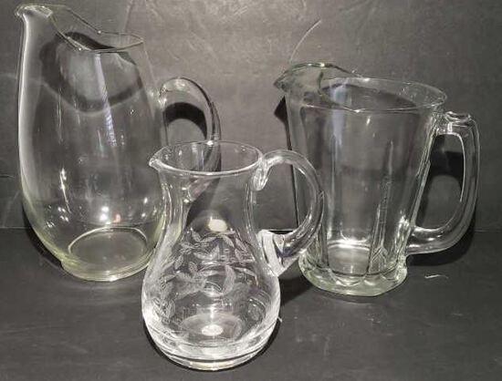 (3)Glass Pitchers