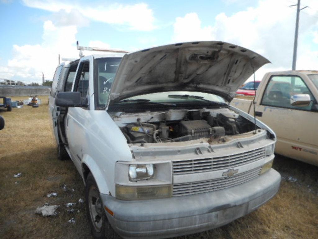 2000 chevy astro van white v 9205 vehicles marine aviation cars trucks auctions online proxibid 2000 chevy astro van white v 9205