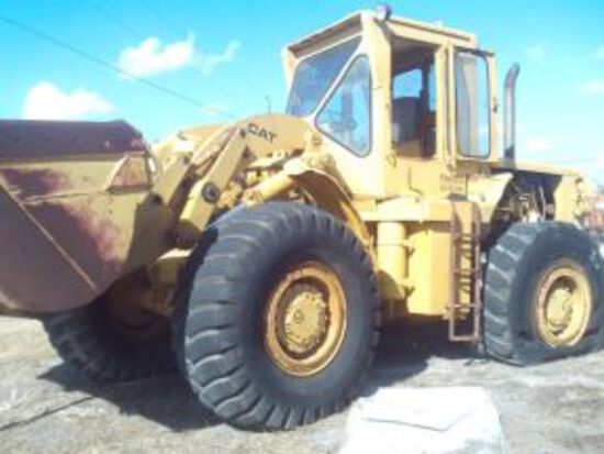 CAT 966B FRONT END LOADER, 2 FLAT TIRES, NEEDS NEW WINDOWS (MOTOR IS ETHER