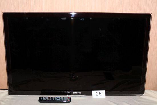 "Samsung 40"" Flat Screen TV W/Remote"