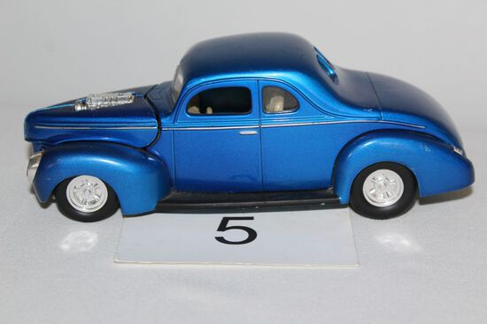 1997 Die Cast 1940 Ford Coupe Issue #42 By Racing Champions