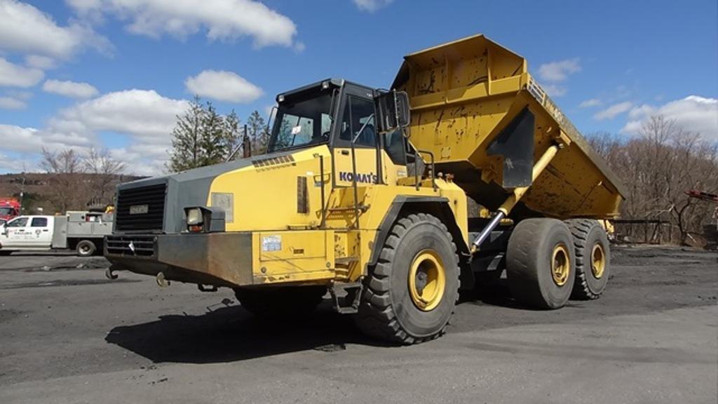 2006 KOMATSU Model HM400-2, 40 Ton, 6x6 Articulated End Dump, s/n 2014, pow