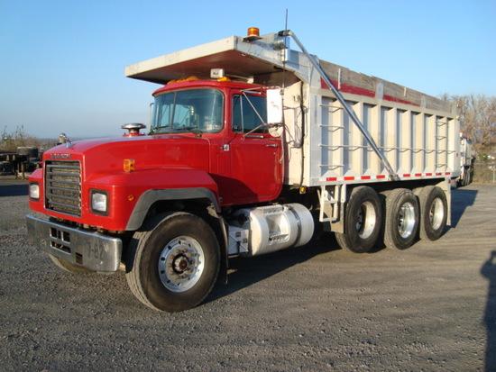 (Unit #7-82) 1999 MACK Model RD688S Tri-Axle Dump Truck, VIN# 1M2P270C4XM04