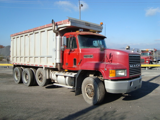 (Unit #7-54) 1995 MACK Model CL713 Tri-Axle Dump Truck, VIN# 1M2AD62C5SW002