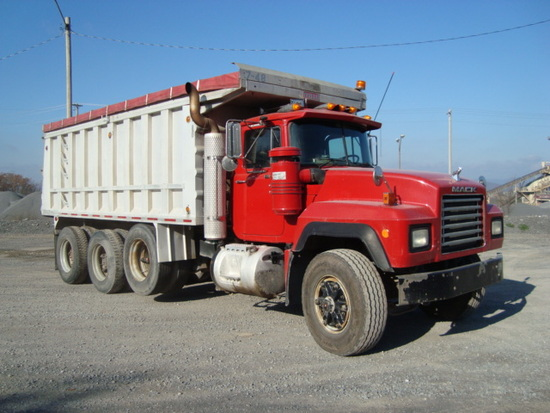 (Unit #7-48) 1993 MACK Model RD688S Tri-Axle Dump Truck, VIN# 1M2P267C5PM01
