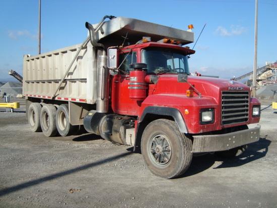 (Unit #7-219) 1993 MACK Model RD688S Tri-Axle Dump Truck, VIN# 2M2P270CXPC0