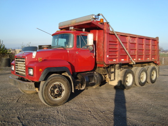 (Unit #7-215) 1998 MACK Model RD600GK Tri-Axle Dump Truck, VIN# 1M3P114K6WM