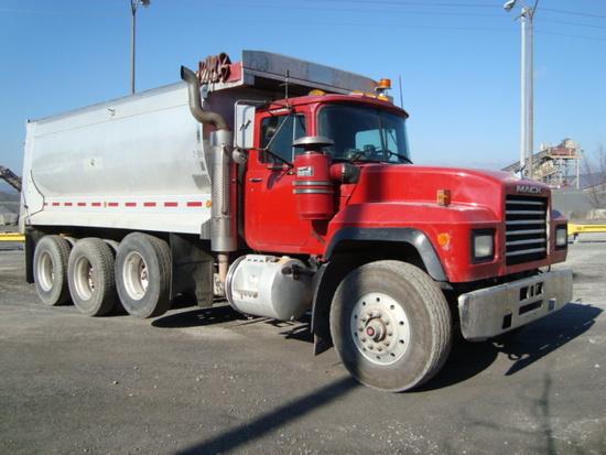 (Unit #7-89) 2000 MACK Model RD688S Tri-Axle Dump Truck, VIN# 1M2P270C0YM05