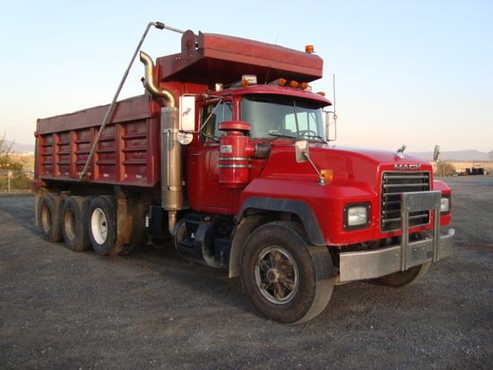 (Unit #7-217) 1995 MACK Model RD688S Tri-Axle Dump Truck, VIN# 1M2P267C1SM0